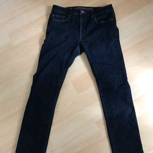 American eagle dark blue jeans